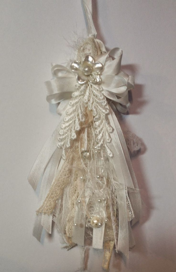 Best 25+ Shabby chic wreath ideas on Pinterest   Picture ...