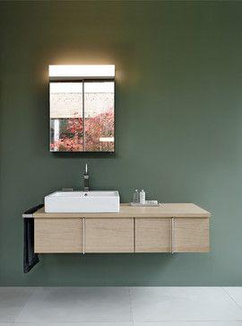 Houten meubel, groene muur, Duravit