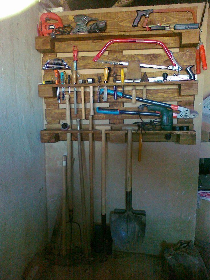 Organizador de herramientas hecho con un palet reciclado - Organizador de herramientas ...