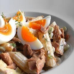Pastasalade met tonijn http://allrecipes.nl/recept/4800/pastasalade-met-tonijn-mayonaise.aspx