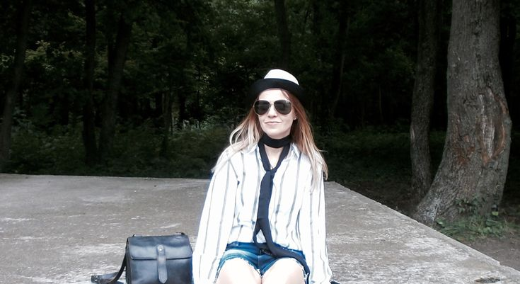 Mini vacay: denim & stripes | Epic Street Style   #distressed #denim #denimshorts #stripes #stripedshirt #suede #flatshoes #loafers #chic #casual #thinscarf #aviators #trilby #wiw #outfit #summer #holiday #vacation