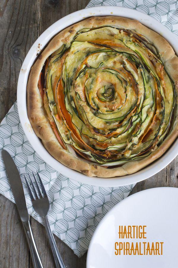 Hartige spiraaltaart met slierten groenten   via BrendaKookt.nl