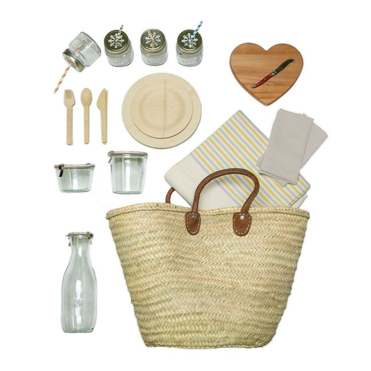 Market Picnic Basket for 4 - No Blanket by ACME Party Box