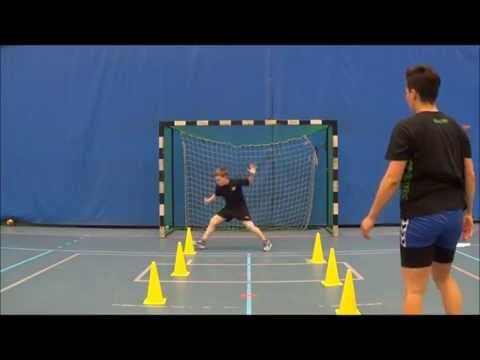 Training of youth handball goalkeepers - low save reaction - YouTube