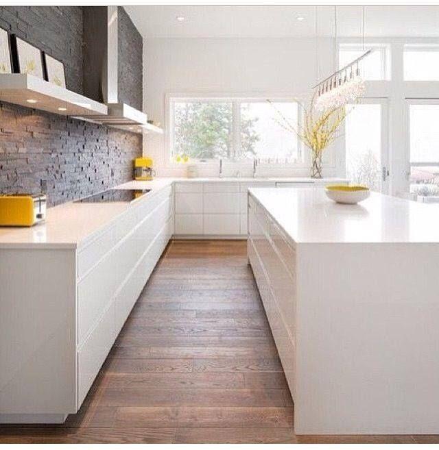 Może taka ściana w kuchni?