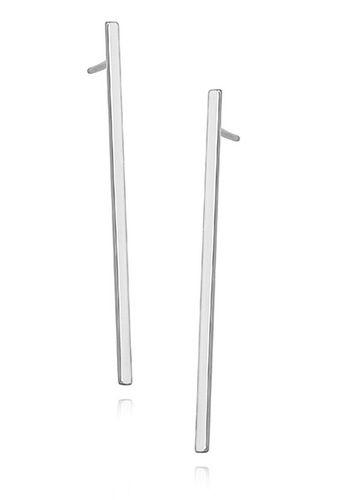 Aros Claire  - Plata 925  SKU: Z1318E    Dimensiones: - 38mm x 1,3mm  Terminación: Chapado en rodio  Origen: Europa    Aros de plata 925 . Diseño simple y elegante. Cierre con tornillo.