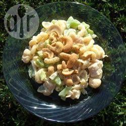 Pastasalade met kip en cashewnoten @ allrecipes.nl