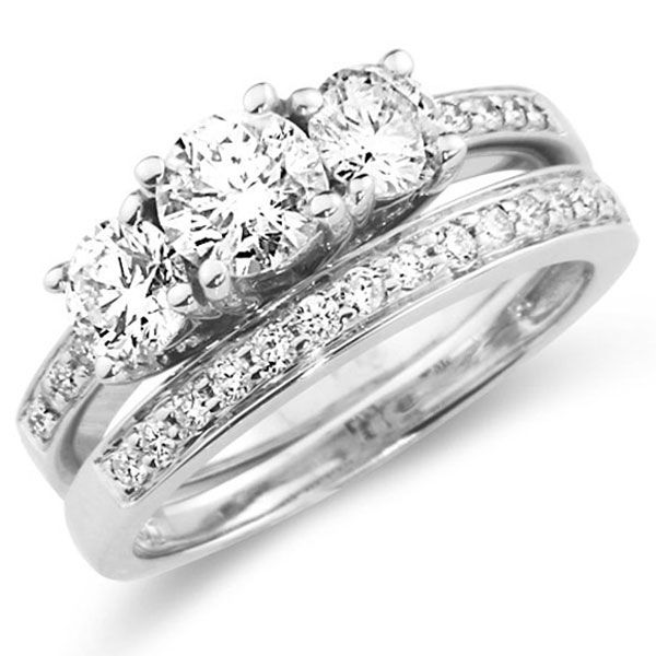14K Three Stone Diamond Wedding Ring Set