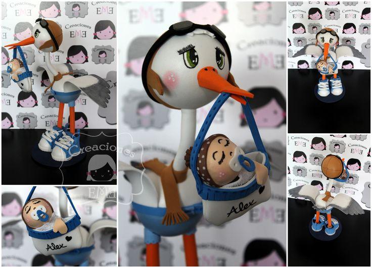Fofucha cigüeña tipo aviador personalizada para recién nacido, con bebé incluido. Para ver más fofucigüeñas: https://www.facebook.com/media/set/?set=a.1704604503099654.1073741867.1559147797645326&type=3
