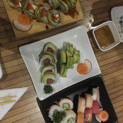 SUSHI | Sushi Go - Cancún, Quintana Roo, Mexico. Dragon roll, rainbow roll, spicy tuna roll :)