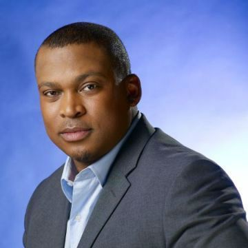 Book Corporate MCs / Master of Ceremonies. Rob Marawa Celebrity MC Sports Star. He's a man for all seasons, with previous SABC Sport anchoring roles (often in the middle of the night or early hours of the morning) involving live presentation of the Cricket World Cup...  For more info visit: http://eventsource.co.za/ads/book-hire-rob-marawa-celebrity-mc-sports-star/