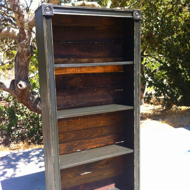 Homemade Bookshelf Stained Pallet Wood Backing And