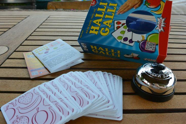 AMIGO Spiele : HALLI GALLI http://frinis-test-stuebchen.de/2015/06/amigo-spiele-halli-galli-auf-die-glocke-fertig-los/