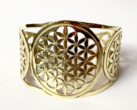 """""""I AM ABUNDANT""""- POWER Bracelet This is a 24k gold plated hand cut Flower of Life bracelet, designed with the intention to connect you with your higher self, and the abundance of the Universe. There i"""