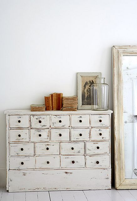 off-white vintage drawers...want