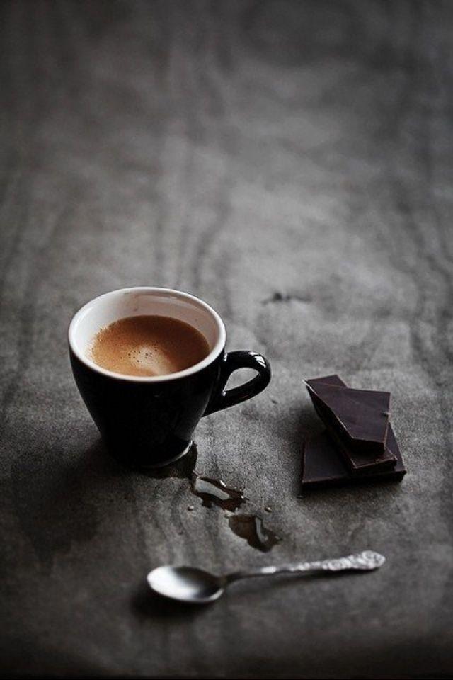 Caffè nero con cioccolata nera