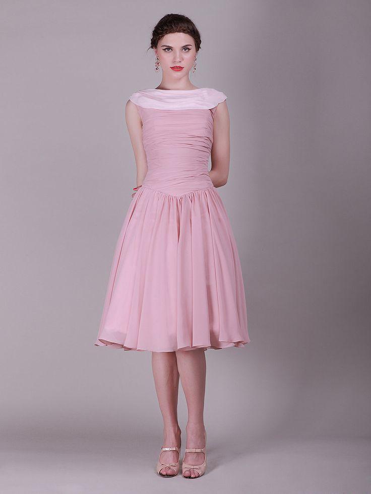 Elegant Two-Toned Vintage Bridesmaid Dress with Mini Train: Elegant Two Toned, Vintage Bridesmaid Dresses, Bridesmaiddress, Two Toned Vintage, Wedding Dress, Prom Dress, Vintage Dress, Chiffon