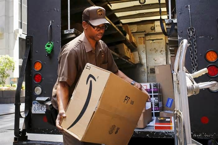 Amazon Expands Same Day Delivery After Bolstering Its Mini
