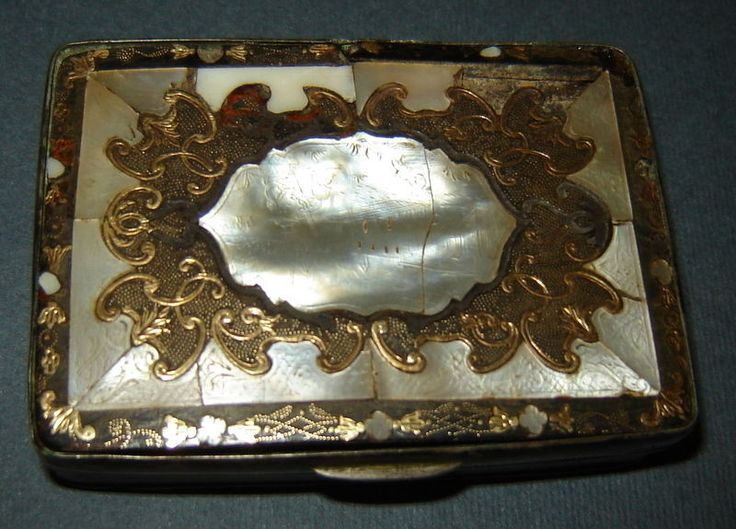 ANTIQUE OLD 18 century SNUFF TOBACCO BOX gold silver mother of pearl inlay