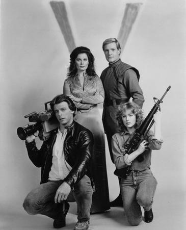 V The Original Miniseries Cast  Diana (Jane Badler), Martin (Frank Ashmore), Donovan (Marc Singer), Julie (Faye Grant)