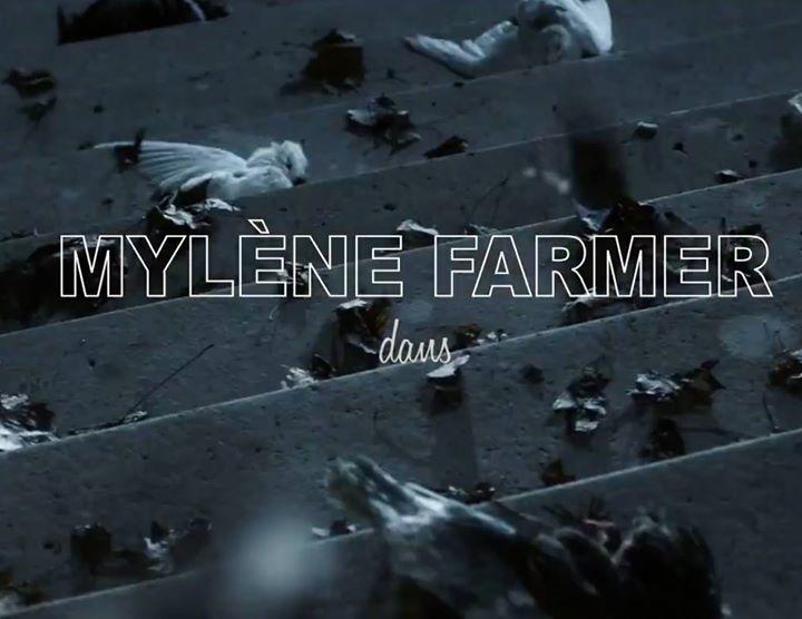 Милен Фармер презентовала новый видеоклип на трек City of Love. Композиция стала синглом в поддержку альбома Interstellaires выход которого состоялся 6 ноября.   Сама Милен играет роль инопланетного существа что пришлось по душе поклонникам. Зрители оценили идею и бюджет видео.  https://youtu.be/azugzK76Ihk - http://ift.tt/1HQJd81