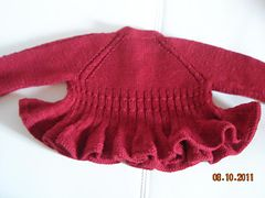 Ravelry: Ciliegia - Baby Cardigan rosso con volant pattern by Barbara Ajroldi