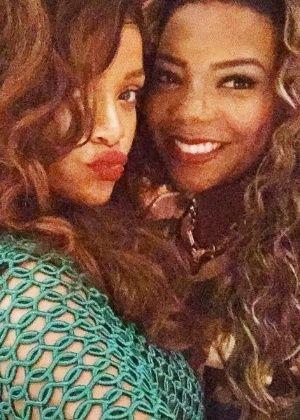 """Ela estava pelada"", brinca Ludmilla sobre look de Rihanna #Brasil, #Calcinha, #Cantora, #Fotos, #Funk, #FunkCarioca, #Hit, #Ludmila, #Ludmilla, #McLudmilla, #Mulheres, #Musical, #Nome, #Pelada, #Pop, #Rihanna, #RioDeJaneiro, #Rock, #Warner, #WarnerMusic http://popzone.tv/ela-estava-pelada-brinca-ludmilla-sobre-look-de-rihanna/"