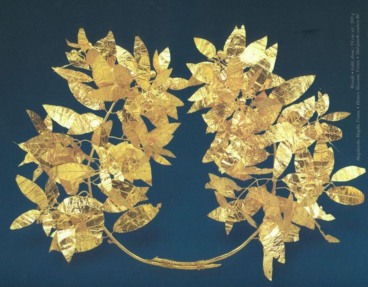 vratsa_mogilanska_mogila_wreath_gold.jpg (1000×781)