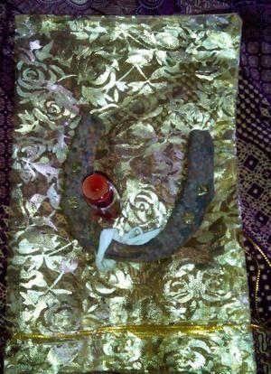 sepatu kuda temuan wesi aji krslametan junjung drajad aktif
