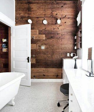 Hva gjør du i vinterferien? Vi ønsker oss et slikt bad på hytta😍 #bad #baderom #inspirasjon #bathroom #inspiration #badekar #badeglede #badeinspo #lys #dagslys #tre #wood #interior4all #varme #koselig #hjemmespa #hyttebad