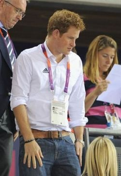 Prince Harry Should Apologize Publicly: The Naked Prince Harry is giving much of himself, and no wonder, since his wild partying have upended the entire British royal family does not know what to do to correct the behavior of their more rebellious prince.