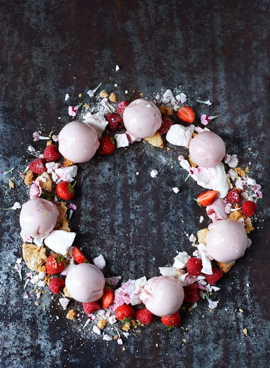 Strawberry Ice Cream Wreath by Have a Yummy Day