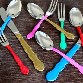 Give old silverware an update and add color to your tabletop at the same time with this easy DIY project.