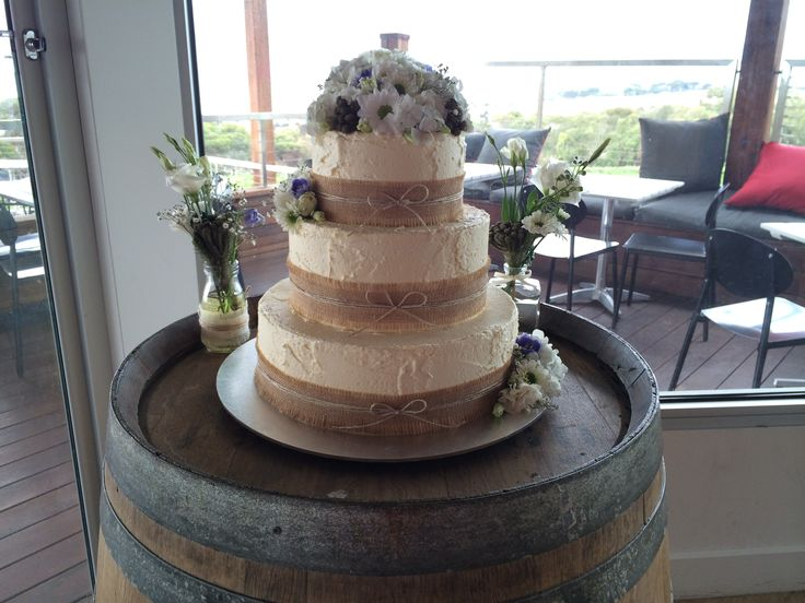 rustic chic - Sweet Designs by Claire #wedding #cake #love #specialoccasion #perfectday #weddingcake #rustic