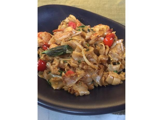 Jet Tila.  Drunken Noodles Video.  I'll never make this, but way fun to watch!
