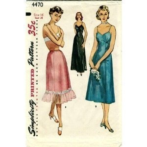 Love the Ruffle: Slip Half, Antiques Vintage Patterns, Vintage Sewing Patterns, Antique Vintage Patterns, Onepiec Slip, Half Slip, One Pieces Slip, 4470 Sewing, Patterns Women