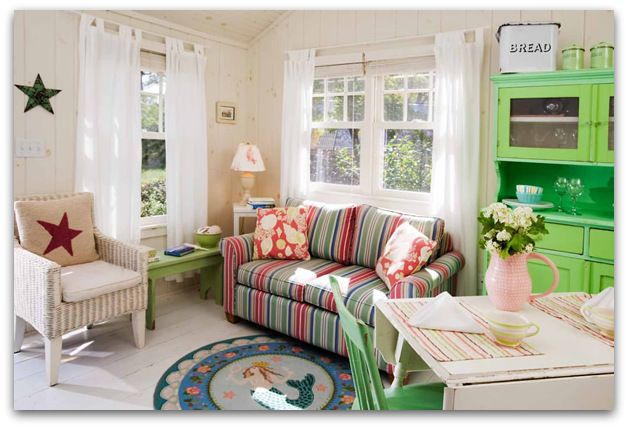 Art Symphony: A charming two-bedroom vintage cottage