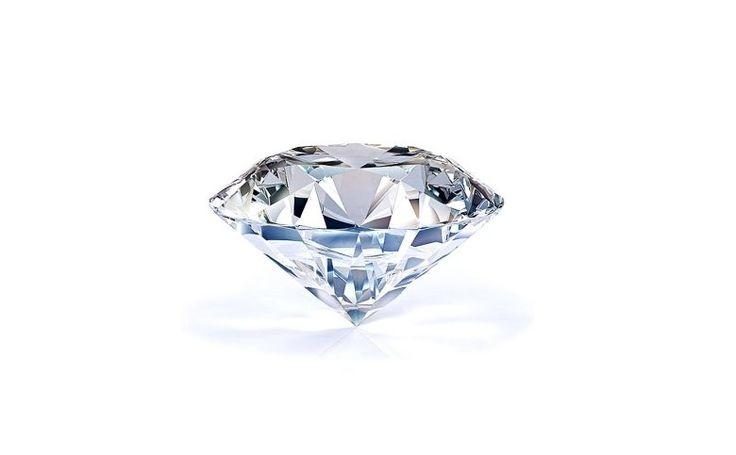 Toužíte po něčem výjimečném? Po něčem, čím byste potěšili osobu ve svém okolí a vyjádřili jí, jak skutečně si jí vážíte? Nechte si vytvořit originální šperk s přírodním diamantem. Investice do pravého diamantu je investice, která se skutečně vyplatí 💎 K dostání v našem e-shopu.