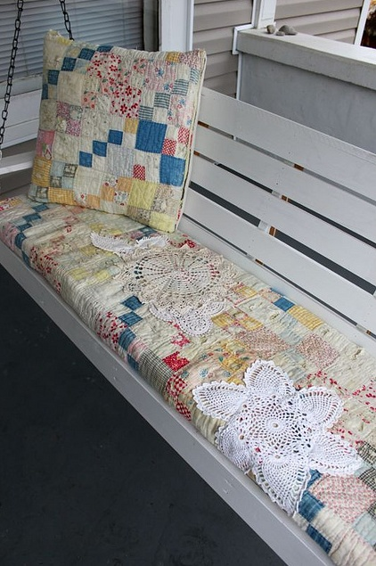 how about I make chair cushions from an old quilt?: Ideas, Porch Swings, Vintage Quilts, Doilies, Old Quilts, Seats Covers, Front Porches, Swings Cushions, Porches Swings