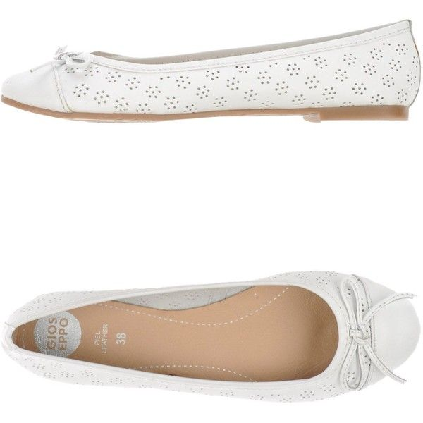 Gioseppo Ballet Flats ($47) ❤ liked on Polyvore featuring shoes, flats, white, white bow flats, ballet shoes, round toe ballet flats, leather shoes and ballet flat shoes