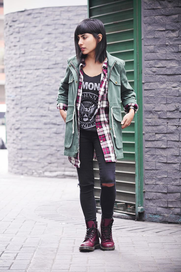 Soft Grunge Summer Outfits: Fashion Blogger Dr Martens Ramones 1