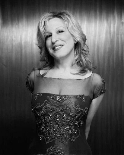 Bette Midler - I think this is one of my favorite pictures of her #actors #celebrities