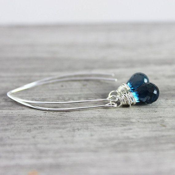 Londen Blue Topaz oorbellen, Sterling Silver oorbellen van ebben hout lange Dangle Earrings, Wire Wrap oorbellen topaas edelsteen oorbellen, donker blauwe oorbellen