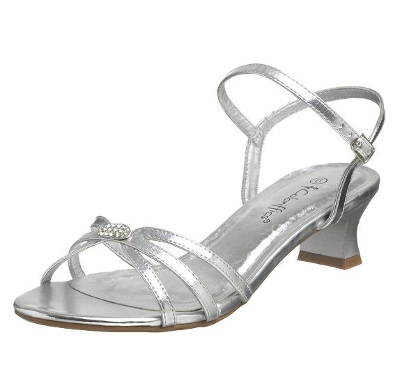 Cute_low_heel_prom_shoes_in_silver