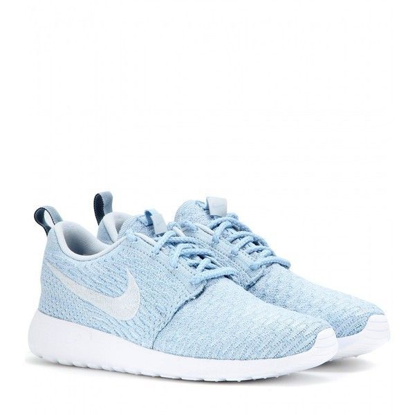 Nike Nike Roshe One Flyknit Sneakers ($150) ❤ liked on Polyvore featuring shoes, sneakers, nike, flats, sapatos, blue, nike trainers, nike sneakers, flats sneakers and blue flat shoes