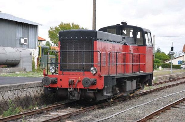 French Locotracteur Y-5144. Built by SACM in 1956. 34 tonnes. 290 Kw. Now restored and used for tourist trips through French Atlantic countryside and coast with Trains de Mouettes (Seagull Trains).