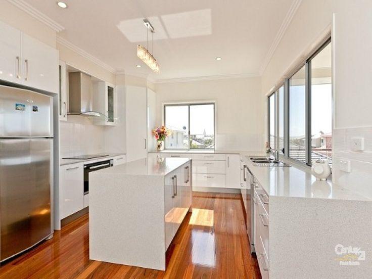 Country galley kitchen design using floorboards - Kitchen Photo 141743