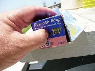 WHO KNEW? Reynolds Foil has a locking tab to keep the roll in place!