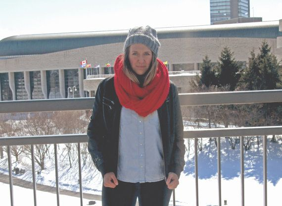 Foulard Infini Rouge  Red infinity scarf par echarpesetbelles, $35.00