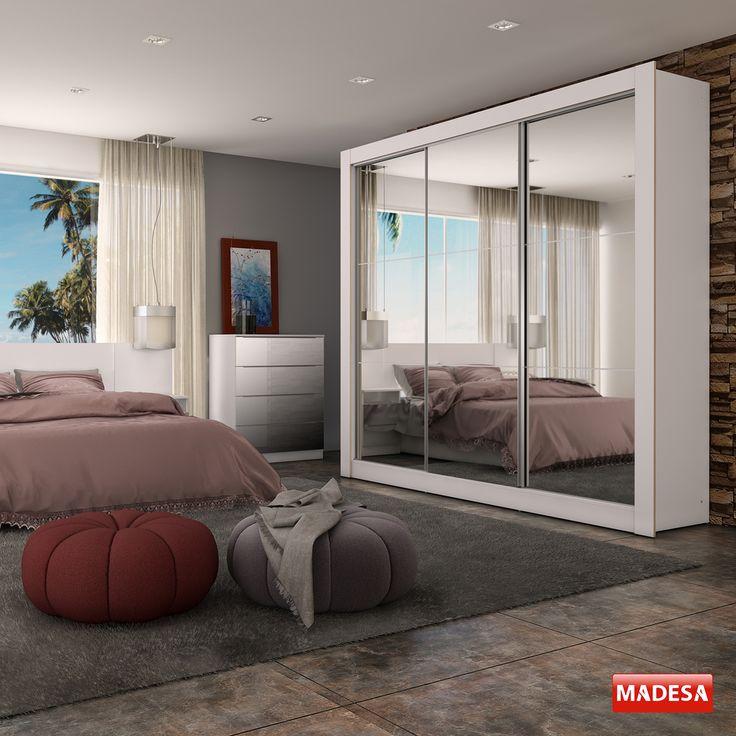 Ao utilizar um guarda-roupa com espelhos na porta você garante um ambiente ainda mais elegante e com a sensação de amplitude. ;)